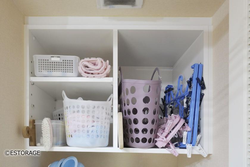 洗濯機上のデッドスペースを利用した吊戸棚