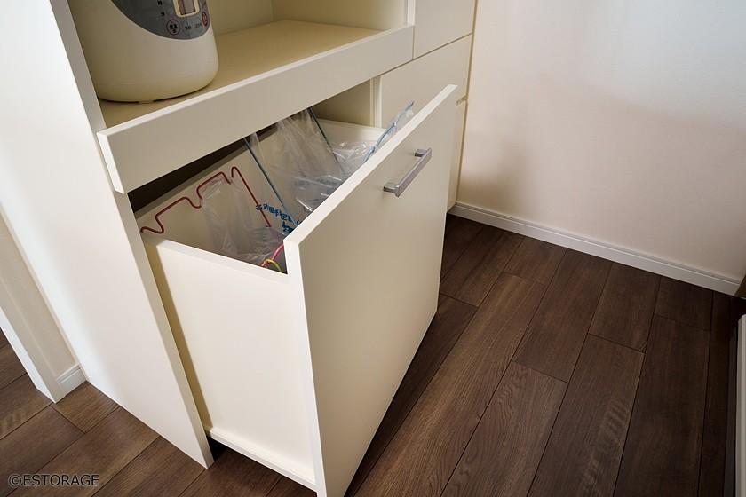 家電を使いやすい高さに設定した ハイカウンターのキッチン収納