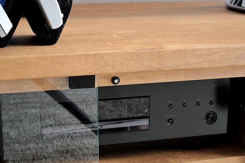 オーディオ機器をピッタリと組み込んだ、こだわりのTVボード