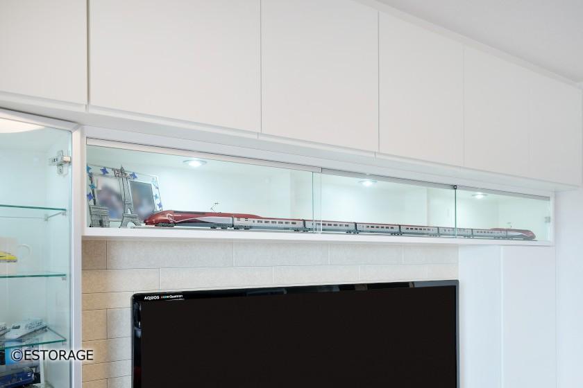 鉄道模型を飾れるリビング壁面収納