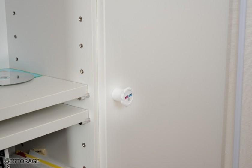 素材感と部屋の雰囲気に合わせて収納力をプラスしたオーダー家具