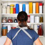 綺麗に片付いた自慢のキッチン!機能性の高いカップボードをおしゃれに使う方法とは?