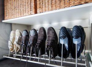 おしゃれさん御用達。3倍すっきりさせる靴箱の収納方法とは