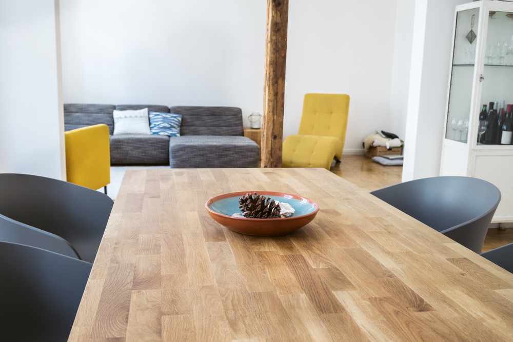 自分好みの理想の机。一生使える便利なオーダー家具とは?