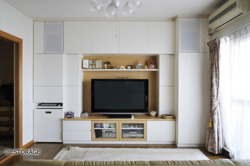 白のデザインでシンプルな家具