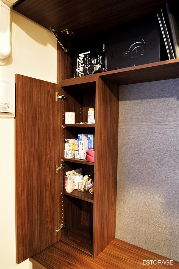 リビング壁面収納のサイドの棚