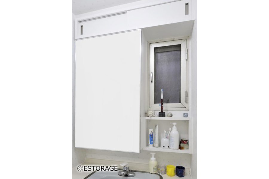 (3)ミラー裏を有効活用した洗面所収納