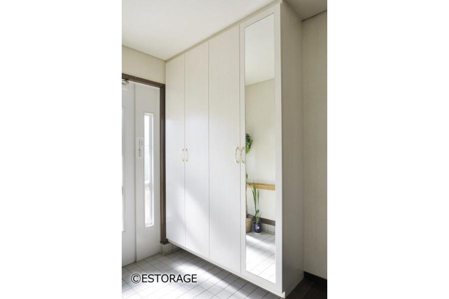 白で統一した玄関収納