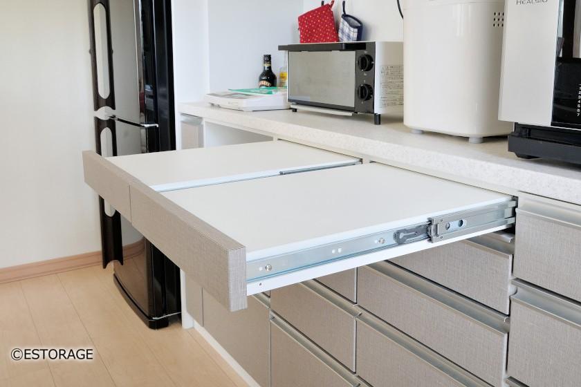 (10)スライド式の作業台で効率アップ