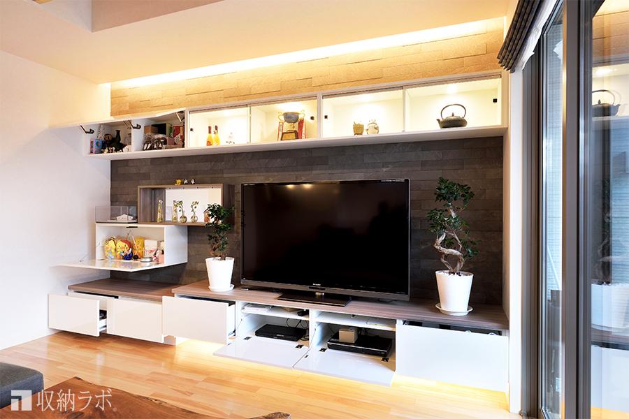 テレビ周りの配線は家具の中に