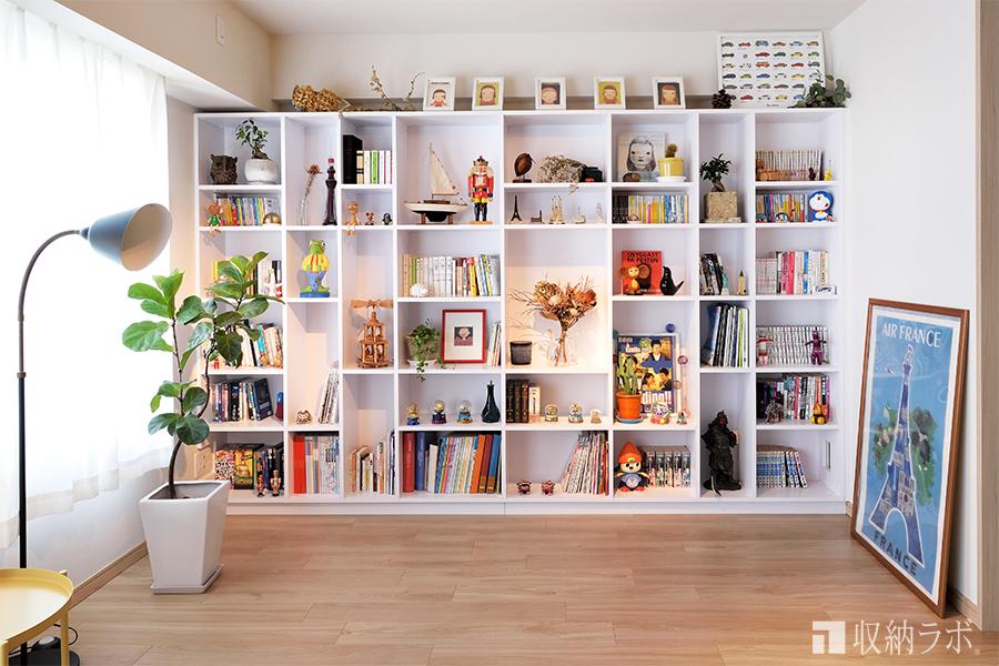 """好きなものを好きなだけ""""ディスプレイ""""できるオーダメイド本棚"""