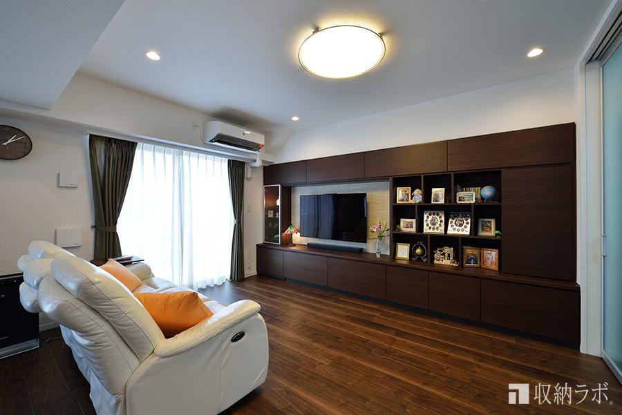 リビングの壁一面の収納を作ったオーダー家具の事例