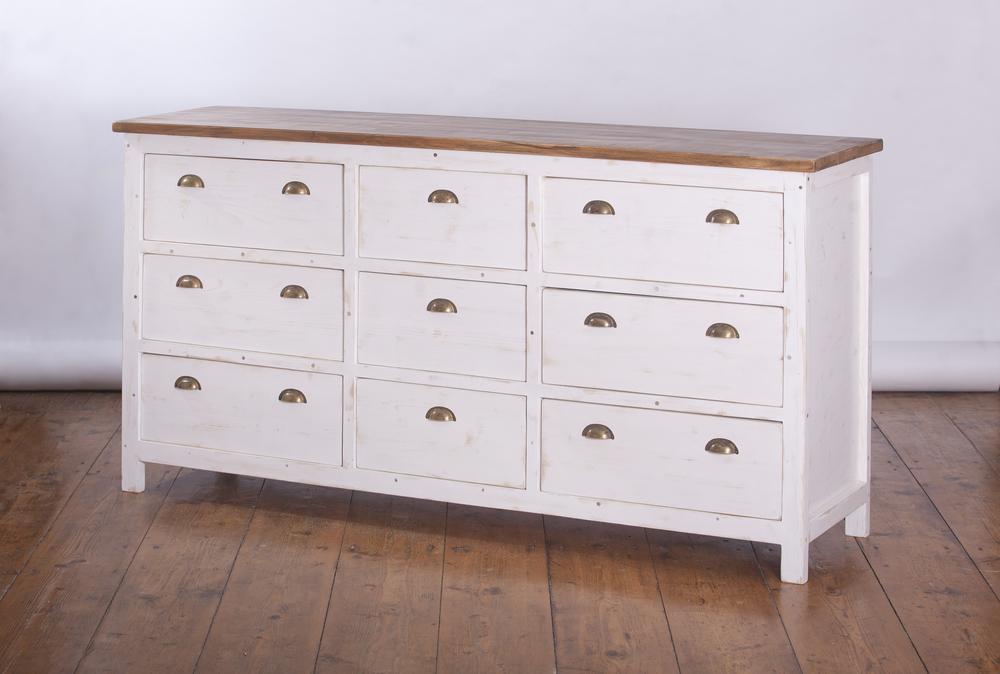 無垢材の家具はどこで使うべき?