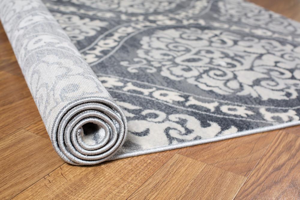 3.床はフローリング×絨毯(じゅうたん)