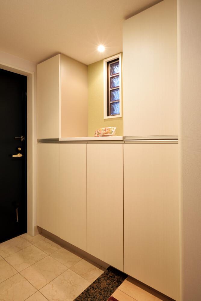 防災グッズを上手に収納!整理整頓できる玄関収納