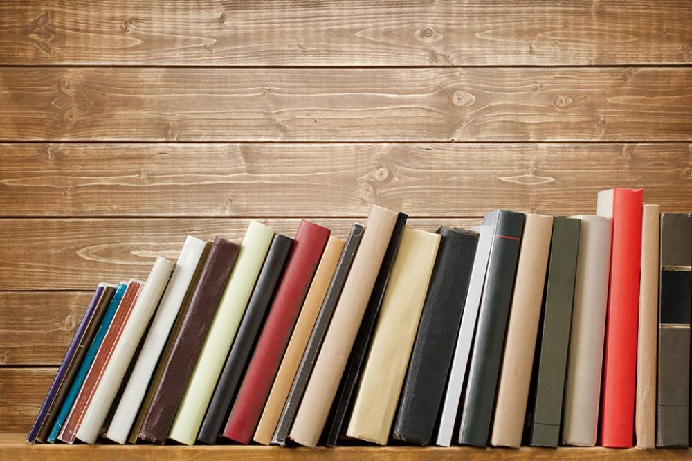本をインテリアの一つとして使える本棚を選ぶ