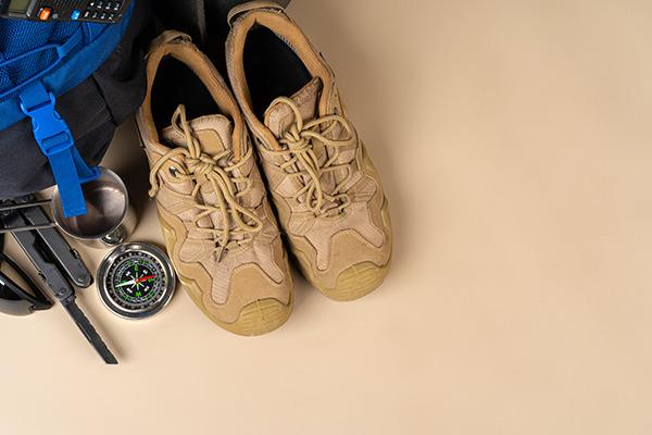 棚板を調整できる靴箱はアウトドアの強い味方