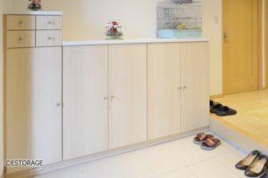 シンプルで使い易い玄関収納