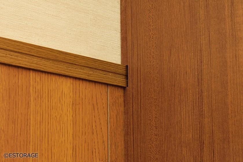 空間と調和した玄関壁面収納