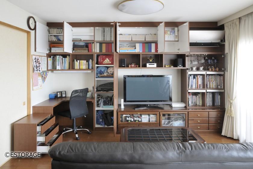 お手持ちのTVボードを組み込んだ壁面収納