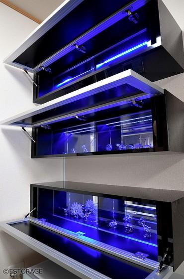 ブルーのLED照明で個性的なインテリアを実現