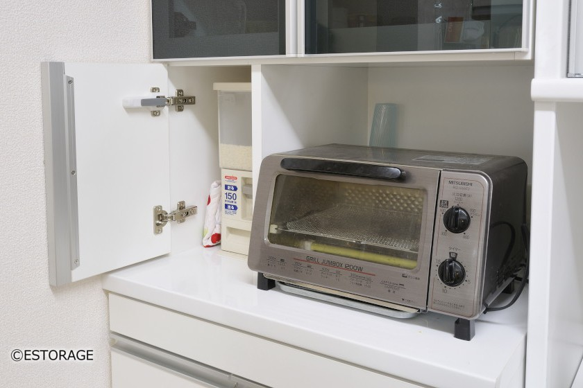 既存家具に合わせたスッキリキッチン収納