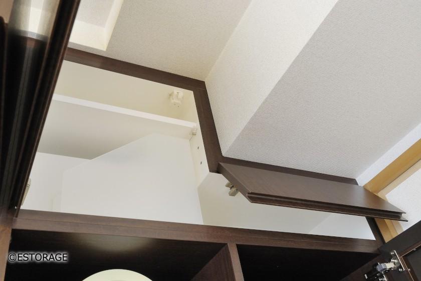 梁の形状に合わせて設計した収納スペース