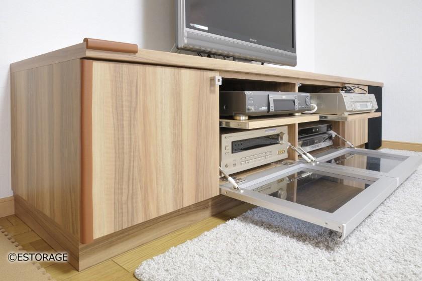 再生機、オーディオ機材もバッチリ収納・シンプルに作ったTVボード