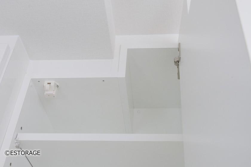 壁面と同化したダイニング壁面収納