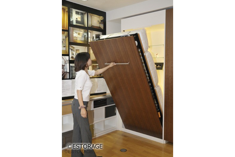 壁面収納ベッドで、ベッドを壁面にすっきり収納。