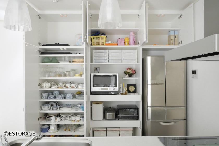 機能的な収納を実現した食器棚