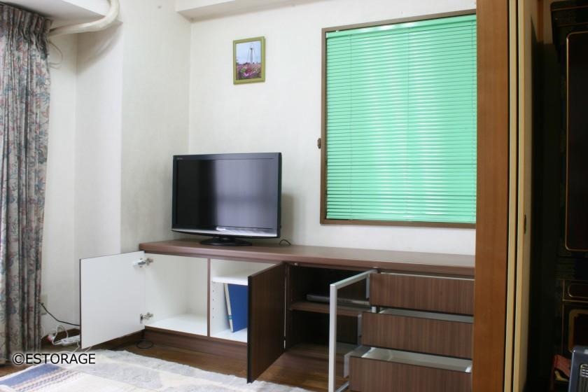 収納スペースをしっかり確保したテレビボード