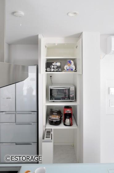 隙間を活かしたキッチン家電収納