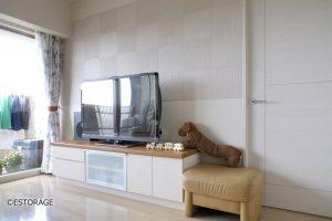 シンプルなオーダーメイドのテレビボード