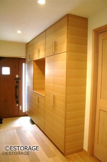 天然木突板を使用したオーダー玄関収納