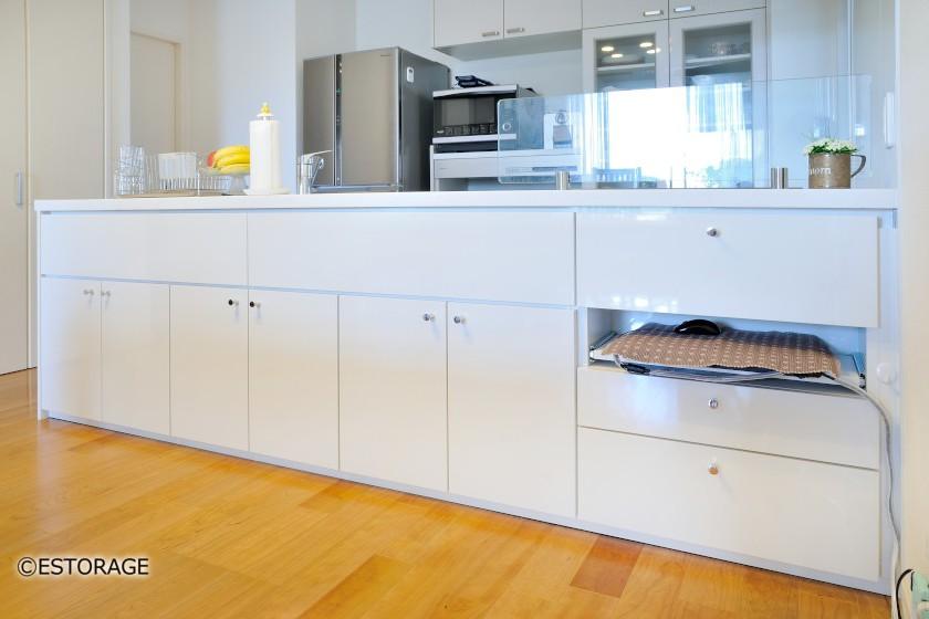 既存家具と一体感のあるオーダーメイドのカウンター下収納