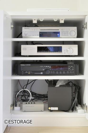 音響機器と収納のコラボしたリビング収納