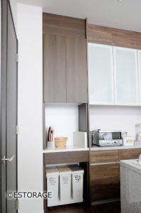 ゴミ箱をスッキリ仕舞えるキッチン収納