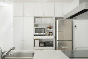 機能的な収納を実現したオーダーメイドの食器棚
