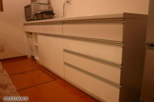 シンプルで収納力抜群のキッチン収納