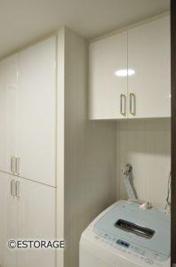 既存の家具ともピッタリ調和したオーダーメイドの洗濯機上収納