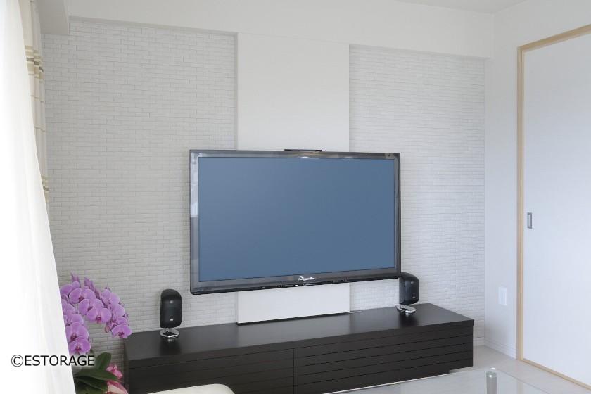 壁を楽しむ壁掛けTV