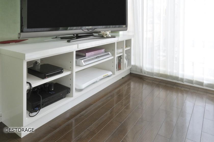 白の鏡面仕上のTVボード