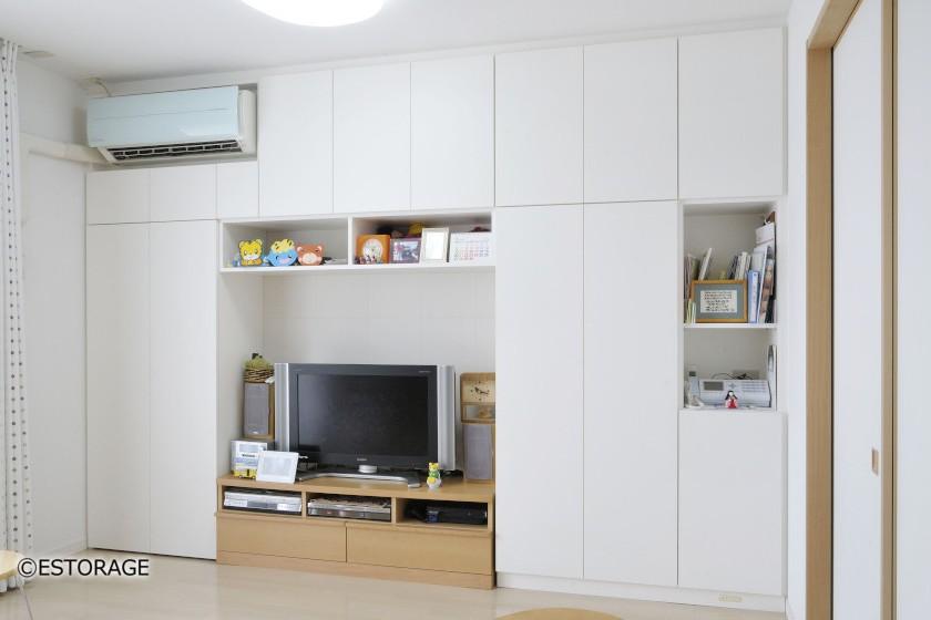 既存のテレビ台とエアコンを組み込んだ壁面収納
