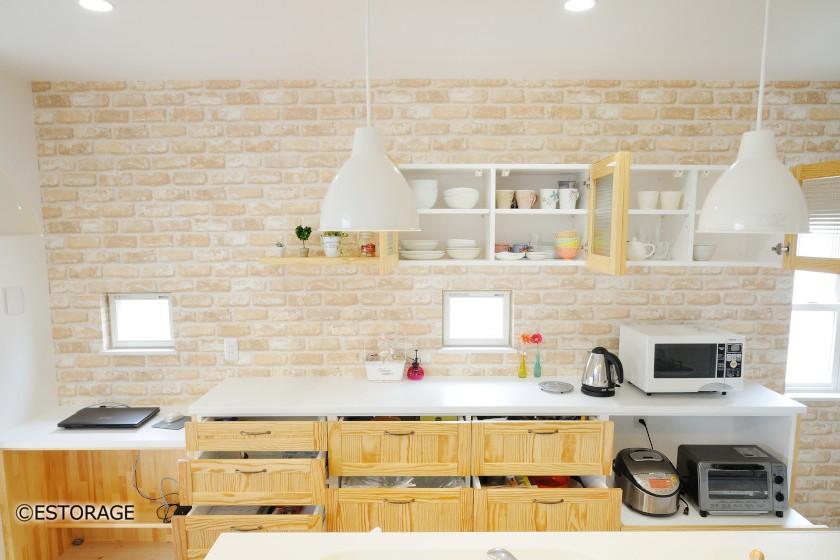 キッチンをナチュラルテイストのインテリアにコーディネイト