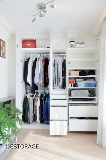 造り付けの様な衣類収納