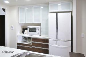 限られたスペースを最大限に活かしたオーダーメイドの食器棚