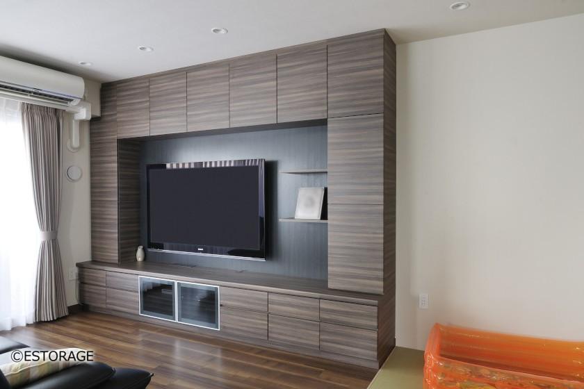 60インチの壁掛けテレビを設置した壁面収納
