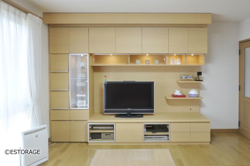 ホームシアターを組み込んだリビング壁面収納