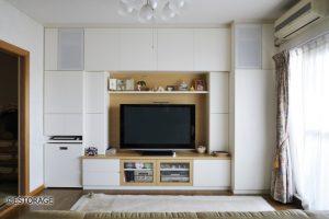 リビングが明るくなった壁面収納は、収納量と使い勝手を両立。